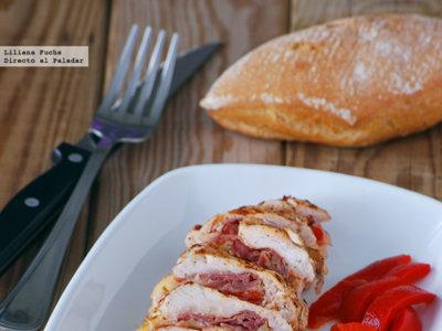 Pechuga de pollo rellena de jamón, pimiento y scamorza. Receta