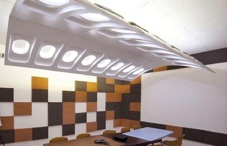 Recicladecoración: trozos de viejos aviones convertidos en lámparas