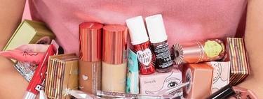 Siete kits de maquillaje de Benefit cargados de básicos  perfectos para sumar a nuestra rutina tras el confinamiento
