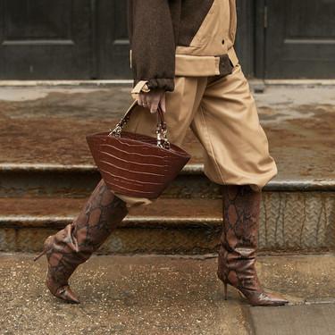 El street style de las Semanas de la Moda dictamina que las botas altas son el calzado favorito de la temporada