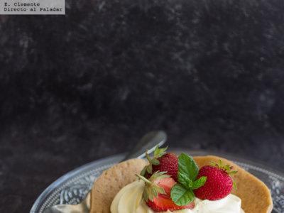 Cestitas crujientes con crema de limón y fresas. Receta