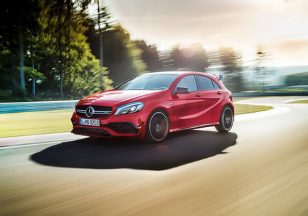 Mercedes Benz A45 Amg 4matic 2016 800x600 Wallpaper 03