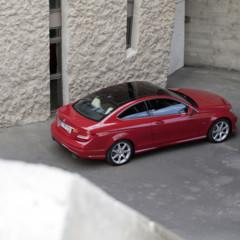 Foto 24 de 41 de la galería mercedes-benz-clase-c-coupe-2011 en Motorpasión