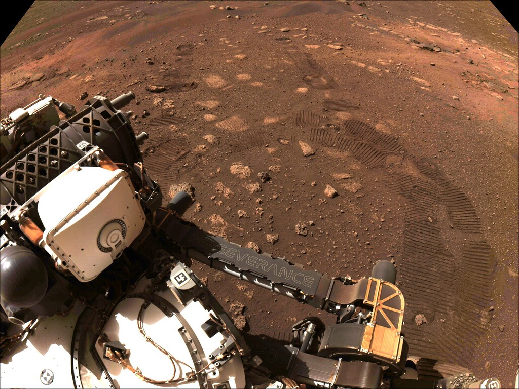 Perseverance se pone manos a la obra: realiza su primera exploración en Marte en busca de restos de vida marciana