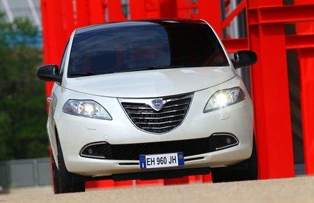 Lancia-Ypsilon-2011-23