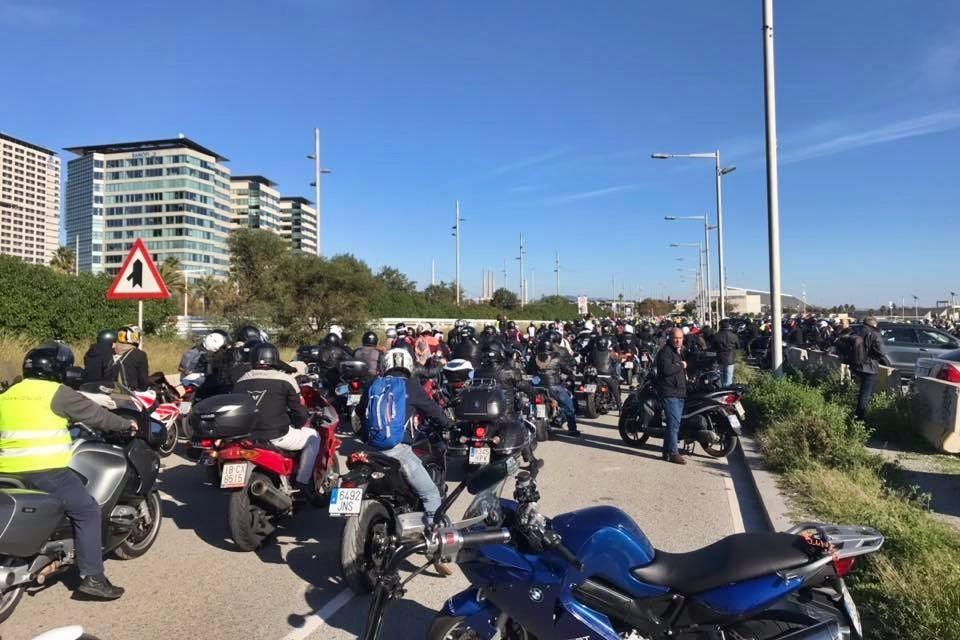 Más de 3.000 motos han inundado Barcelona para defender la movilidad urbana. Próxima parada: Madrid #source%3Dgooglier%2Ecom#https%3A%2F%2Fgooglier%2Ecom%2Fpage%2F%2F10000