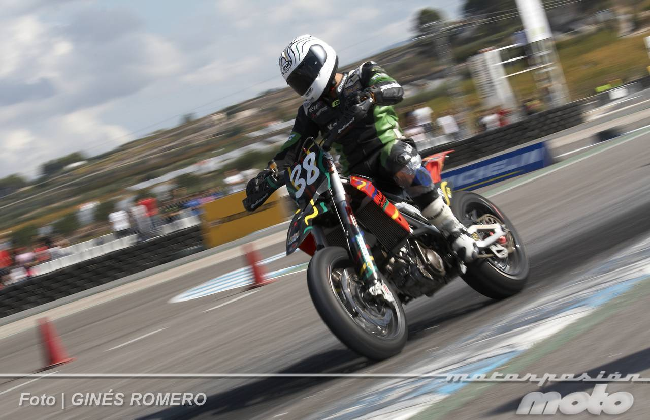 Foto de Albaída despide el Campeonato de España de Supermotard 2011 (42/63)