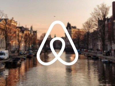 Ámsterdam reduce a 30 días el permiso para alquilar pisos en Airbnb
