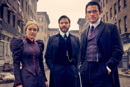 'El alienista' tendrá segunda temporada: Dakota Fanning, Daniel Brühl y Luke Evans seguirán resolviendo crímenes