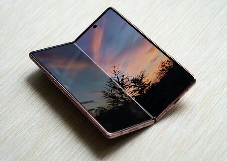 Samsung Galaxy Z Fold 2 02 Pantalla Princ 01