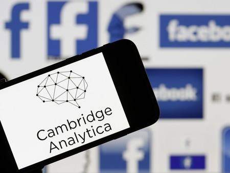Facebook eleva la cifra a 87 millones de afectados por Cambridge Analytica, mientras admiten que también leen nuestros mensajes