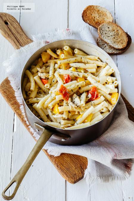 Pasta cremosa con pollo y pimiento. Receta