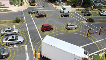 Estados Unidos quiere que todos los automóviles nuevos incluyan el sistema de comunicación vehículo a vehículo