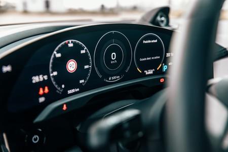 Porsche Taycan Turbo S pantalla