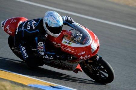 Johann Zarco primero en los libres de Silverstone