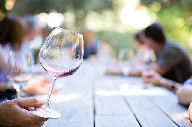 La forma de la copa de vino afecta al sabor del mismo