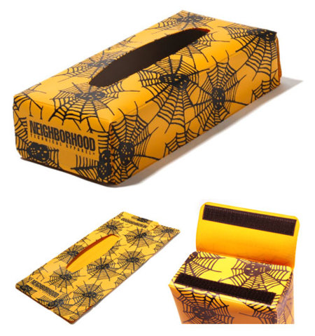 Caja de pañuelos con telarañas de Neighborhood