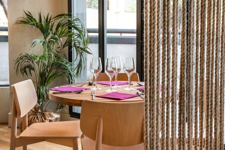 Restaurante Toma Tomate Avda De Los Andes 6 17