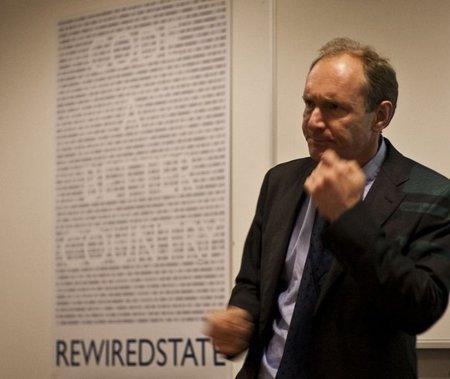 A Tim Berners-Lee le quita el sueño el Gran Hermano de Cameron