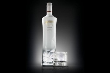Smirnoff White, un vodka exclusivo para viajeros