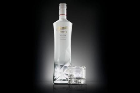 Smirnoff White, un vodka exclusivo para viajeros