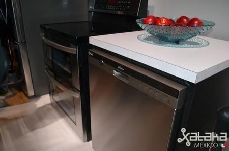 LG presenta su nueva lavadora y secadora compatible con HomeChat