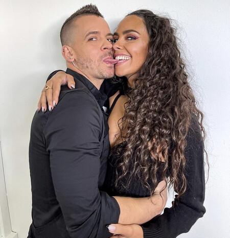 El posado más sexy (y más empalagoso) de Cristina Pedroche y Dabiz Muñoz: se prometen amor eterno en Instagram y los famosetes reaccionan