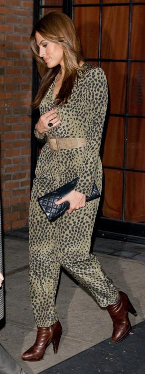 Eva Mendes estampado leopardo