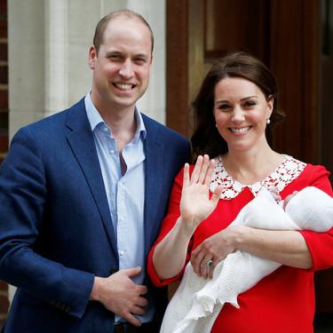 Los Duques de Cambridge presentan a su nuevo hijo en sociedad tan sólo siete horas después del parto. ¡Nuevo Royal británico!
