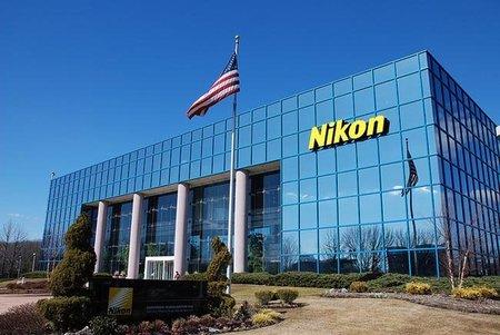 La mala suerte se ceba con Nikon, suspensión de operaciones en Thailandia