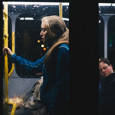 Vigo pone en marcha paradas anti-acoso, para prevenir el acoso callejero cuando las mujeres vuelven a casa solas