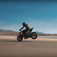 La bestial KTM Super Duke R por fin se deja ver en un cuarto teaser con una imagen radical y muy compacta
