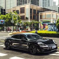 El primer coche eléctrico de Porsche supera las expectativas: el Porsche Taycan ya acumula 30.000 reservas