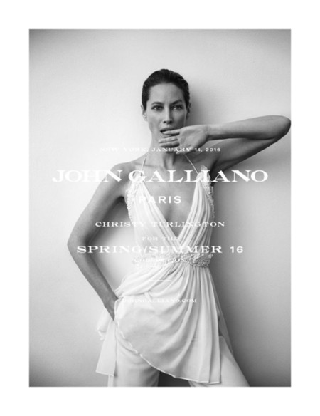 ¿Será Christy Turlington capaz de relanzar la firma John Galliano?
