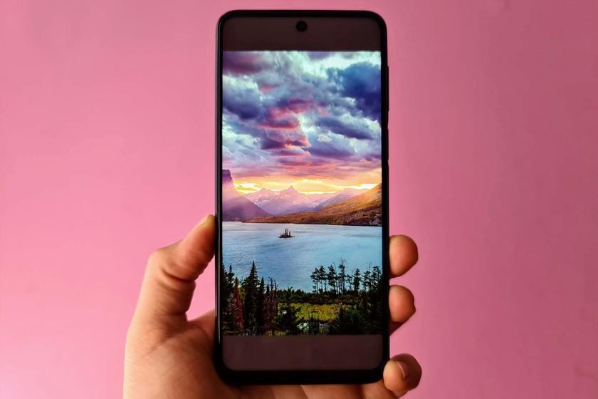 """Usar esta imagen como wallpaper deja algunos smartphones """"inservibles"""", esto es lo que sabemos thumbnail"""