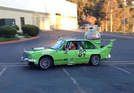 Fan construye Homeromovil real, termina 5º en LeMons