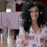 Para apoyar a Hillary Clinton y animar a los americanos a votar, Katy Perry no duda en desnudarse