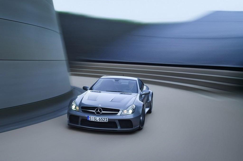 Foto de Mercedes-Benz SL 65 AMG Black Series (18/44)