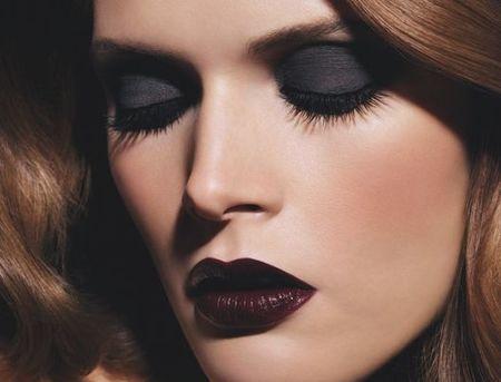 Chanel insiste en el negro con su colección Noirs Obscurs