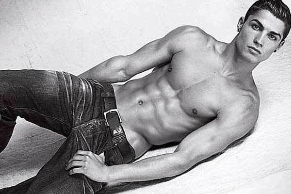 Foto de Cristiano Ronaldo para Armani Underwear (1/3)