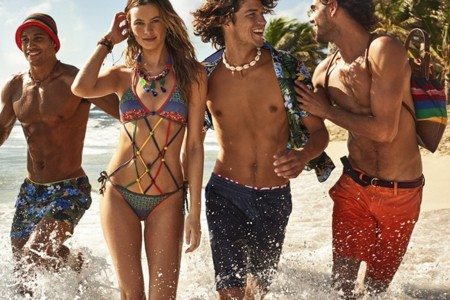 Behati Prinsloo se convierte en una chica surfer para Tommy Hilfiger