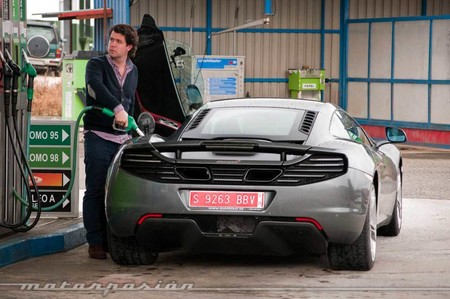 McLaren gasolinera