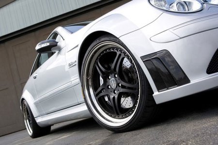Kicherer Mercedes-Benz CLK 63 AMG Black Edition