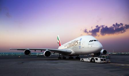 Airbus está rediseñando el avión más grande de pasajeros: el A380 busca sitio para más asientos
