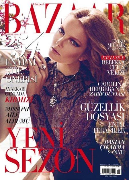 Matricula de Honor para Harper's Bazaar Turkey