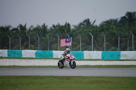 Visitando Malasia, piloto local en Sepang