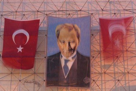 """Kemal Ataturk, el intocable padre """"laico"""" de la patria turca"""
