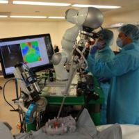 Este robot quirúrgico y casi autónomo podría ser parte del futuro de las cirugías