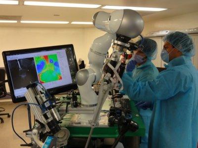 Este robot es capaz de hacer cirugías casi de forma autónoma