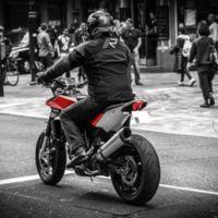 Motorpasión a dos ruedas: roban la Husqvarna Nuda a Royal Jordanian y cambios en la Ducati Diavel